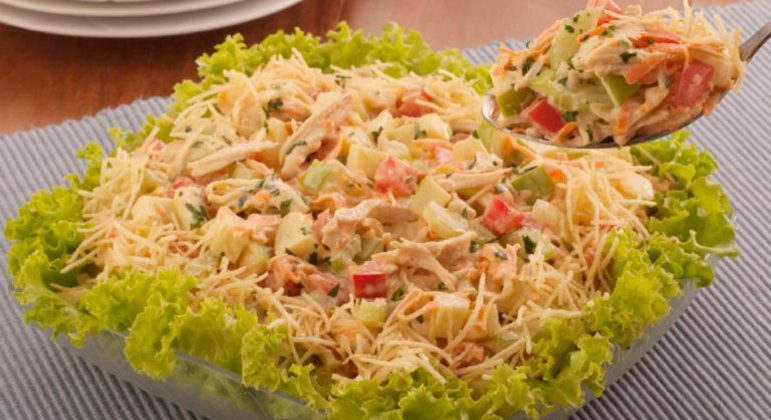 Guia da Cozinha - Salada de frango com salsão