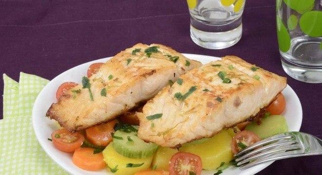 Guia da Cozinha - Salmão grelhado: aprenda seis maneiras diferentes de preparar