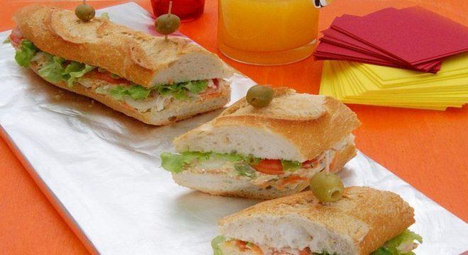 Guia da Cozinha - Sanduíche de metro de frango: receita para o lanche da tarde