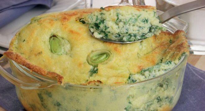 Guia da Cozinha - Suflê de espinafre com alho-poró para o almoço