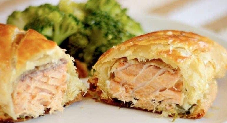 Guia da Cozinha - Surpreenda na cozinha com a receita de salmão na massa folhada