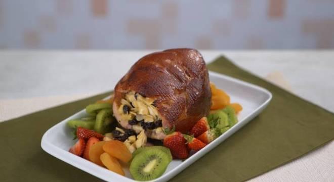 Guia da Cozinha - Tender recheado: confira a receita que fará sucesso nas festas de final de ano