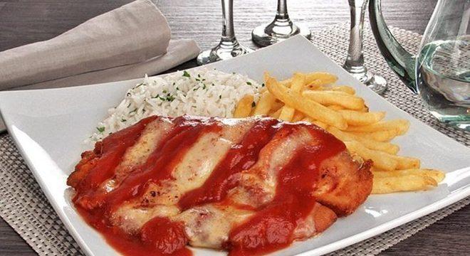 Guia da Cozinha - Tilápia à parmegiana com batata frita