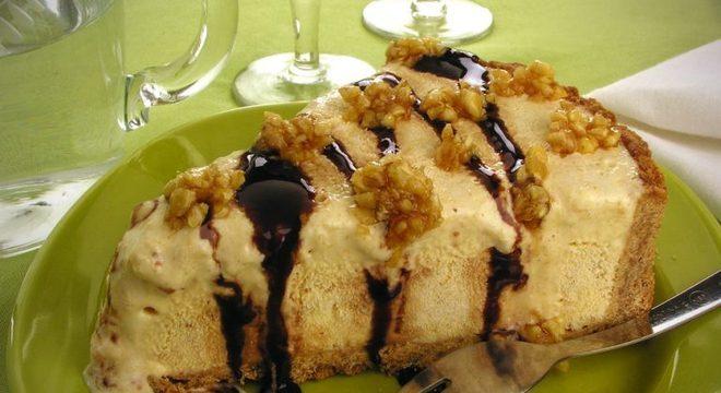 Guia da Cozinha - Torta crocante de sorvete: sobremesa diferente e deliciosa