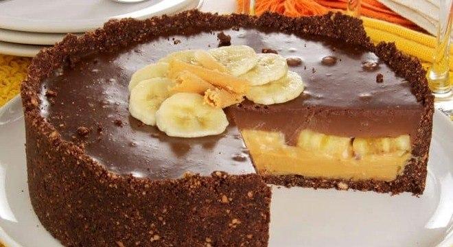 Guia da Cozinha - Torta de banana com doce de leite e chocolate: pura tentação!