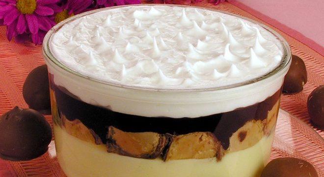 Guia da Cozinha - Torta de Sonho de Valsa® com merengue: sobremesa irresistível e prática