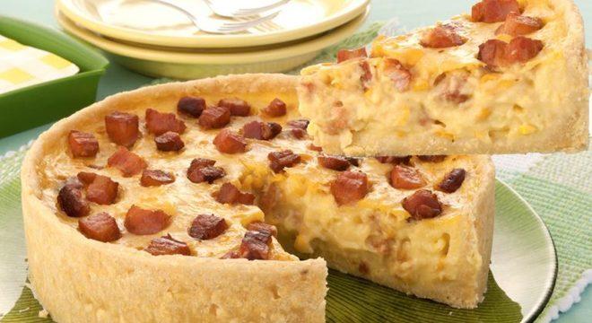 Guia da Cozinha - Torta especial de creme de milho com bacon