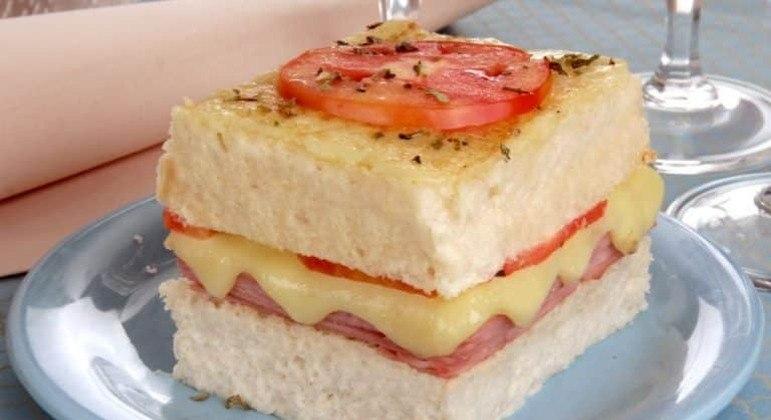 Guia da Cozinha - Torta fácil de pão de forma