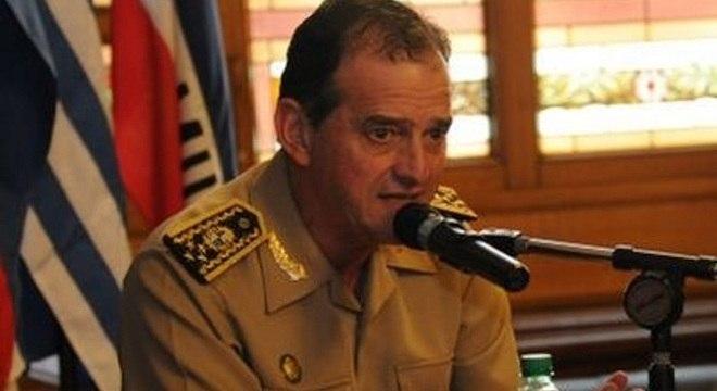 General Guido Manini Ríos deve ficar preso por trinta dias