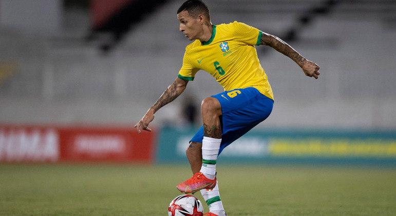 Guilherme Arana fará sua estreia como titular da seleção brasileira
