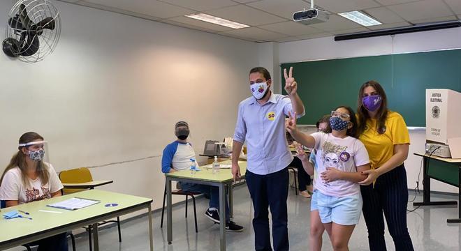 Boulos votou nesta manhã na zona oeste de São Paulo