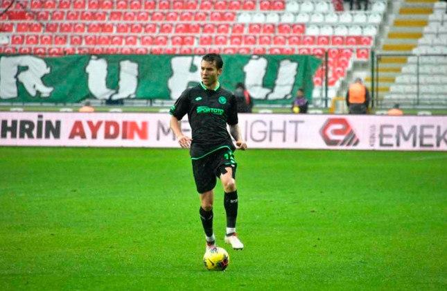 Guilherme - Konyaspor (Turquia) - Lateral-Esquerdo - 31 anos - Contrato até:  30/06/2021