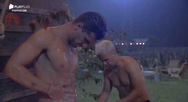 Guilherme Leão e Viny Vieira foram alguns dos peões que precisaram tomar banho de caneca