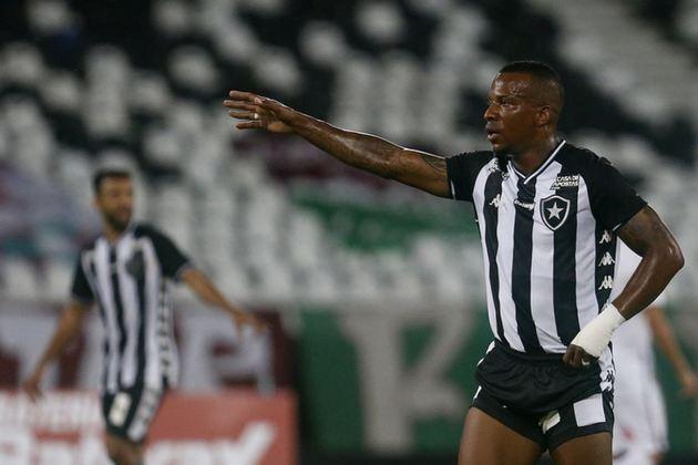 GUILHERME SANTOS chegou a receber chances na lateral esquerda e até atuou pelas pontas, mas aos poucos perdeu espaço no Alvinegro. Disputou 22 partidas na temporada.