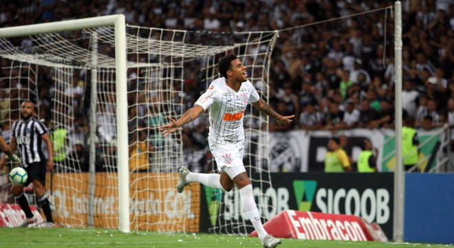 Gustagol comemora o gol da vitória do Corinthians. E a volta à Libertadores