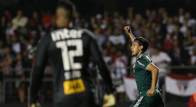 Gustavo Gómez marcou o primeiro gol do clássico. E desestabilizou de vez o São Paulo