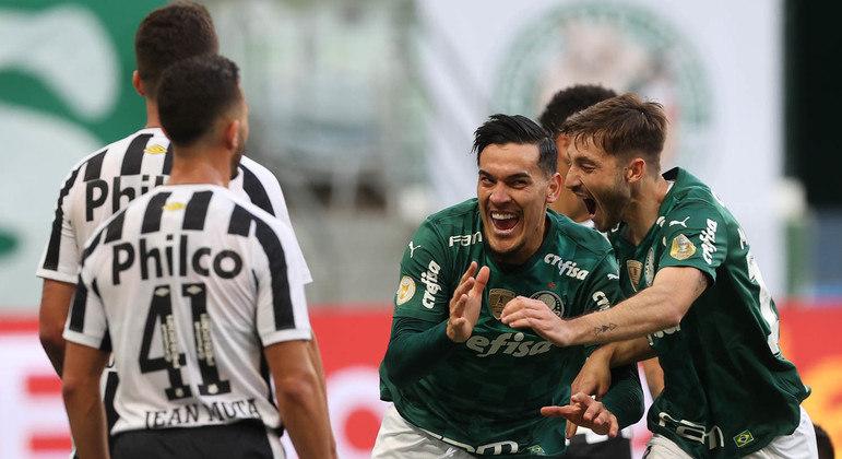 Gustavo Gómez marcou o primeiro gol da importante vitória palmeirense no clássico