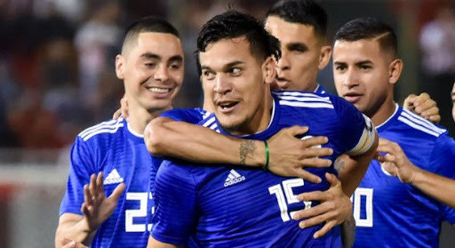 Gustavo Gómez é capitão da seleção paraguaia. Está no auge, aos 27 anos