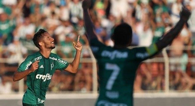 Contrato de Gustavo Scarpa com Palmeiras segue sem validade