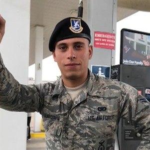 Gustavo é militar há 5 anos