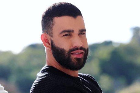Sertanejo avisou fãs pelas redes sociais