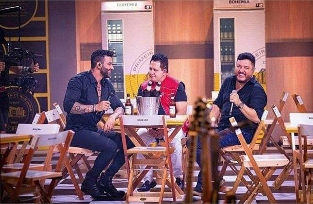 No início de dezembro, o cantor cantor grandes sucessos da música sertaneja ao lado da dupla Bruno e Marrone. A apresentação foi um sucesso de audiência
