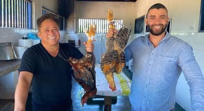 Leonardo e Gusttavo Lima três dias atrás mostrando o que iriam jantar