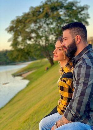Após exposição excessiva sobre separação, casal teria reatado casamento, mas está buscando não expor a reconciliação
