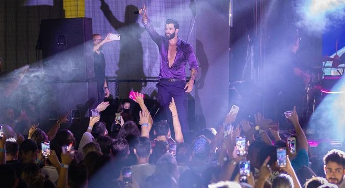 Gusttavo Lima se apresentou em Miami, nos EUA, para cerca de 6 mil pessoas