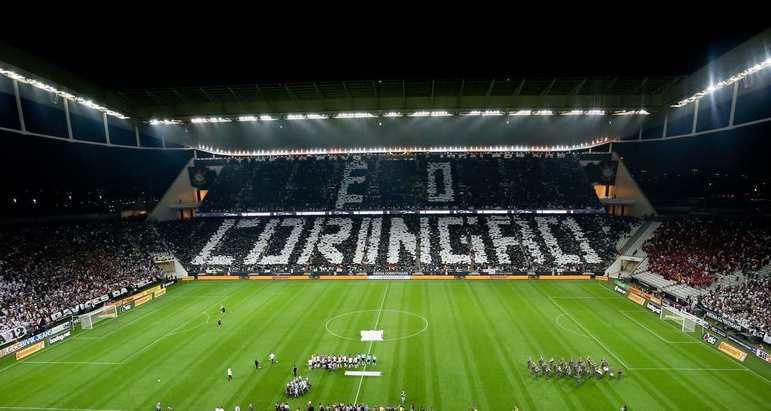 Há exatamente seis anos, o Corinthians fazia seu primeiro jogo oficial em sua nova Arena. Desde então, são raras as partidas em que o estádio não está lotado. Veja na galeria a seguir os maiores públicos da Arena até aqui: