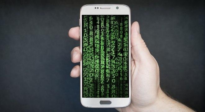 Cibercriminosos usam links falsos para aplicar golpes pelo aplicativo de mensagens