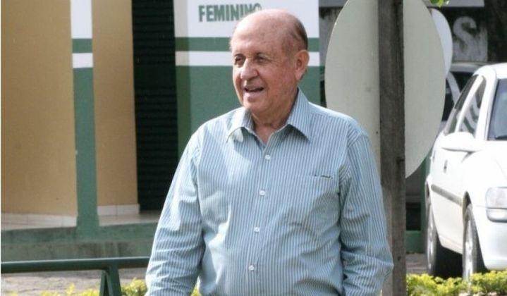 Hailé Pinheiro, um dos dirigentes mais importantes da história do Goiás, foi internado devido ao coronavírus em setembro e recebeu alta tempo depois. Ele tem 84 anos.