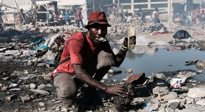 Terremotos destruíram recentemente boa parte da já precária infraestrutura do Haiti