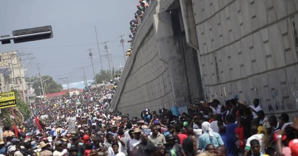 Jornalista haitiano morre baleado durante protestos em Porto Príncipe