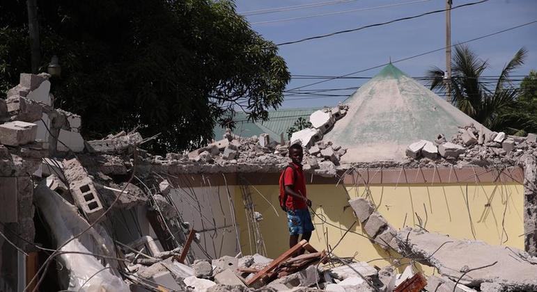 Terremoto de magnitude 7.2 devastou o Haiti