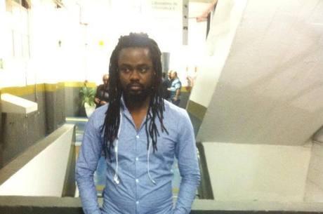 Haitiano relata dificuldade para renovar registro