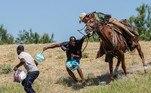 EUA deixam de usar cavalos em operações com migrantesVEJA MAIS