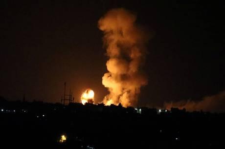 Os militares israelenses disseram que os ataques continuarão