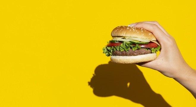 Regra é evitar ao máximo produtos industrializados, diz nutricionista