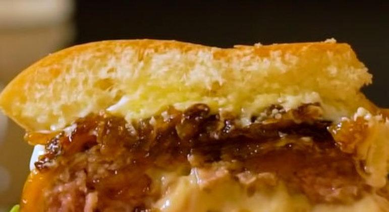 Hambúrguer de costela suína