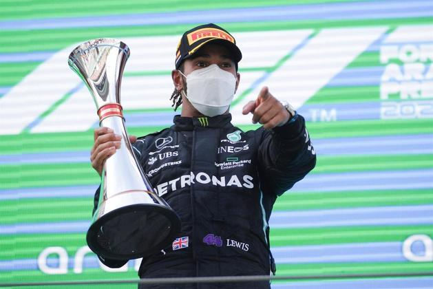 Considerado por muitos como o maior piloto da história da Fórmula 1, Lewis Hamilton não cansa de colecionar recordes insanos em sua carreira. As marcas parecem não tem fim, como a conquistada no último GP da Espanha, nesse fim de semana