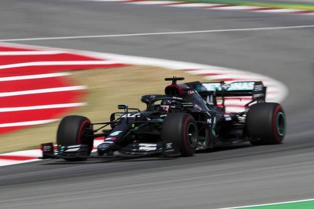 Hamilton aposta em problemas com os pneus devido ao forte calor em Barcelona