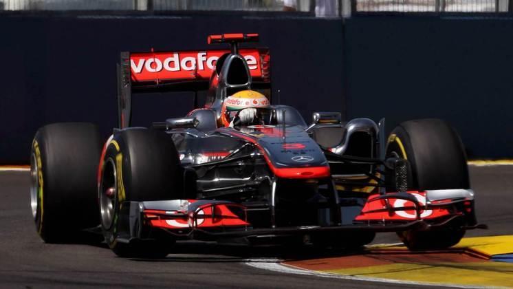 Hamilton faturou três vitórias com o McLaren MP4/26, em 2011. O ano movimentado para o inglês o deixou apenas em quinto na classificação final