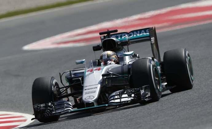Hamilton foi surpreendido por Nico Rosberg e acabou com o vice em 2016. Com o W07, foram 10 vitórias na temporada, o recorde para um não campeão