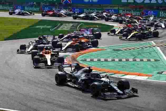 Hamilton manteve a liderança na largada, mas terminou a corrida apenas em sétimo