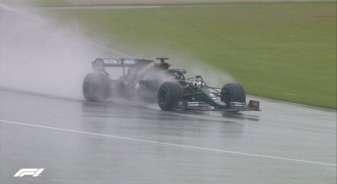 Lewis Hamilton garantiu a pole do GP da Estíria