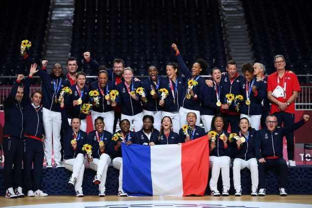 HANDEBOL - A França deu o troco na Rússia e conquistou a medalha de ouro no handebol feminino. As francesas venceram a decisão por 30 a 25.