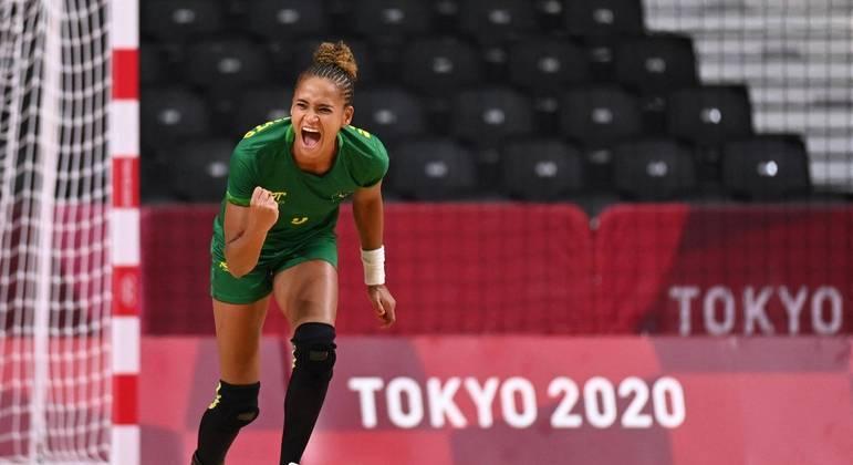 Handebol feminino do Brasil encara a forte Hungria nesta segunda-feira (26)