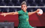A seleção feminina de handebol entra em quadra para mais uma disputa nesta Olimpíada. A partida entre Brasil e Sérvia será às 04h15