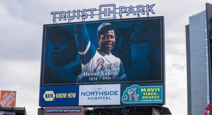 Hank Aaron foi homenageado nas redes sociais do Atlanta Braves